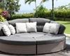 Zahradní postel či gauč teď pořídíte ve slevách: Kde a za kolik?