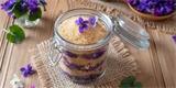 Fialky právě kvetou. Udělejte si z nich domácí sirup, čaj či olej proti popáleninám