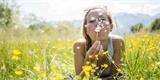Jak proměnit trávník vkvetoucí louku