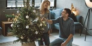 Jak se starat o vánoční stromek v květináči. Chce hlavně vodu a chlad
