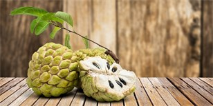 Čerimoja: Seznamte se s nejlahodnějším ovocem světa. Jak ho správně jíst a pěstovat?