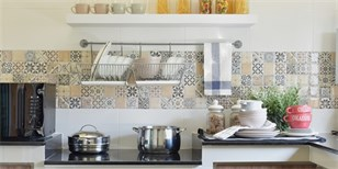 Jak obložit prostor za kuchyňskou linkou? Inspirujte se v galerii