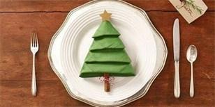 Jak složit ubrousek do tvaru vánočního stromečku