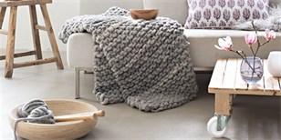Gigantické pletení je trendy: Pořiďte si hřejivou deku nebo pelíšek pro mazlíčka